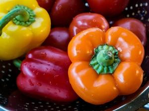 Как нужно мыть овощи и фрукты, чтобы избежать отравления