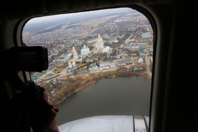 Митрополит Георгий совершил на вертолете крестный ход против коронавируса вокруг Нижегородской области - фото 2