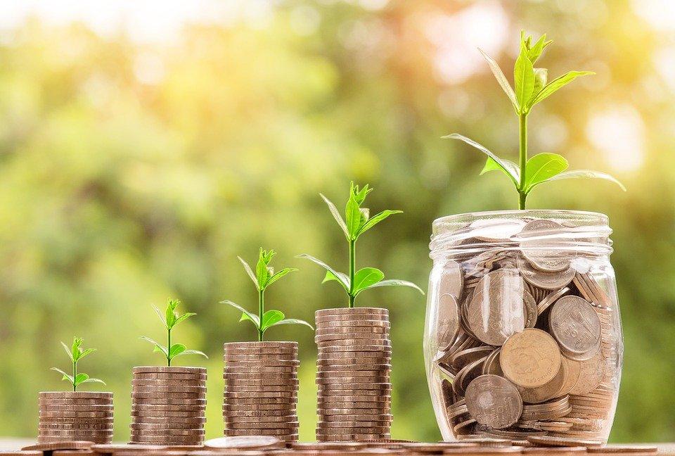 Каким пенсионерам перечислять 5 тысяч рублей