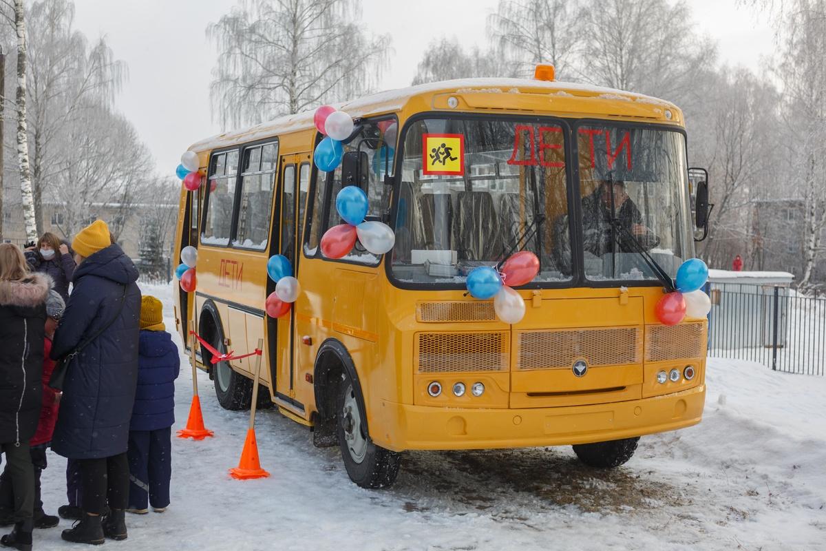 Две сельские школы Кстовского района получили новые автобусы - фото 1