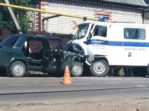 Пьяный водитель «Лады» погиб после столкновения с полицейской «буханкой» в Сергаче