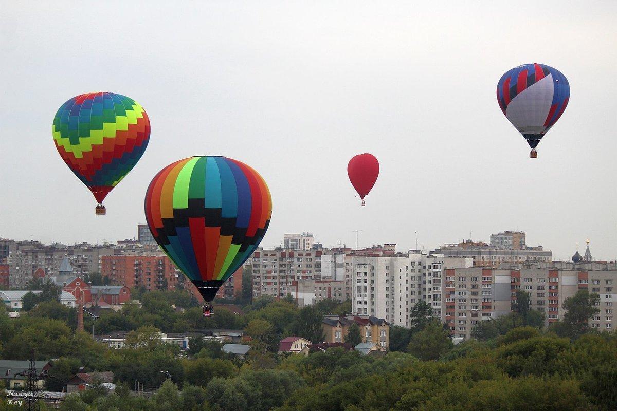 Полеты шаров над Стрелкой отменили из-за непогоды - фото 1