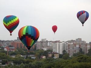 Полеты шаров над Стрелкой отменили из-за непогоды