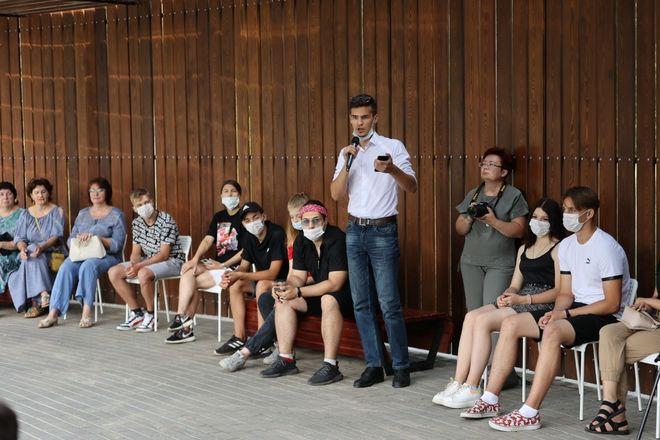 Глава Дзержинска обсудил планы развития города с лидерами молодежных организаций - фото 4