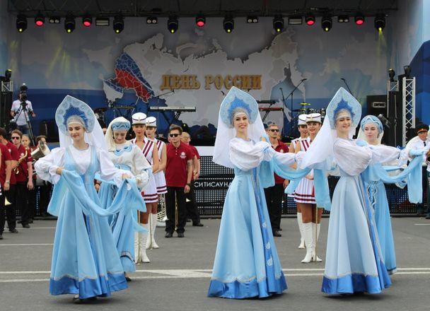 Фестивали духовых оркестров и Дружбы народов прошли в Нижнем Новгороде в День России - фото 6