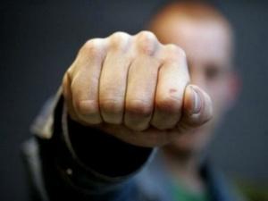 Нерадивый отец избивал троих детей и угрожал им ножом в Сеченовском районе