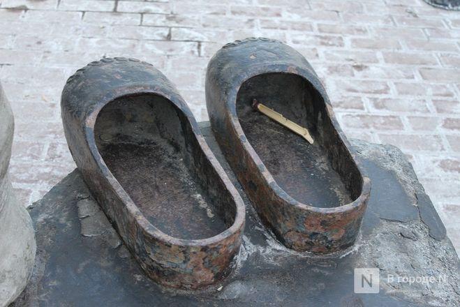 Галоши, ложка, объявление: памятники каким предметам установили в Нижнем Новгороде - фото 32