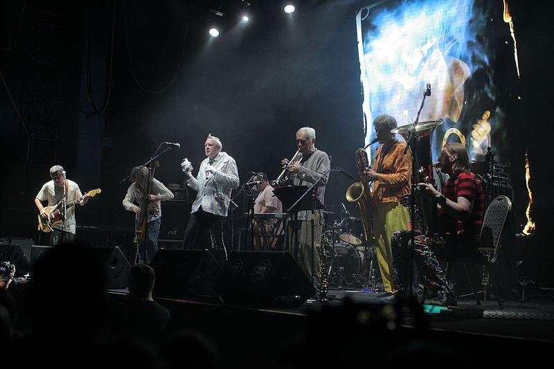 Череда премьер и громкая музыка: лучшие мероприятия октября - фото 5