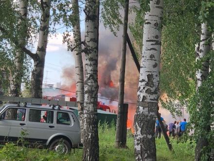 Сарайный массив загорелся в Богородском районе
