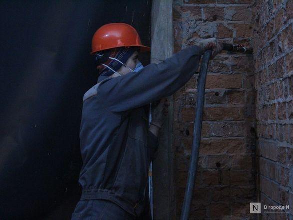 Инъекция для стен: как идет реставрация фасада нижегородской фабрики «Маяк» - фото 45