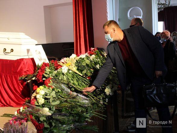 Церемония прощания с Ириной Славиной началась в Нижнем Новгороде (фото) - фото 10