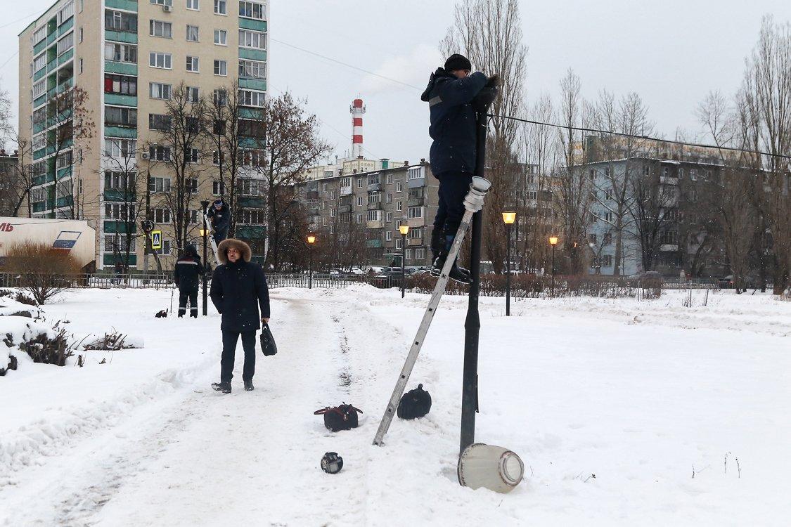 Фонари на бульваре Заречном отремонтировали по просьбам жителей - фото 1