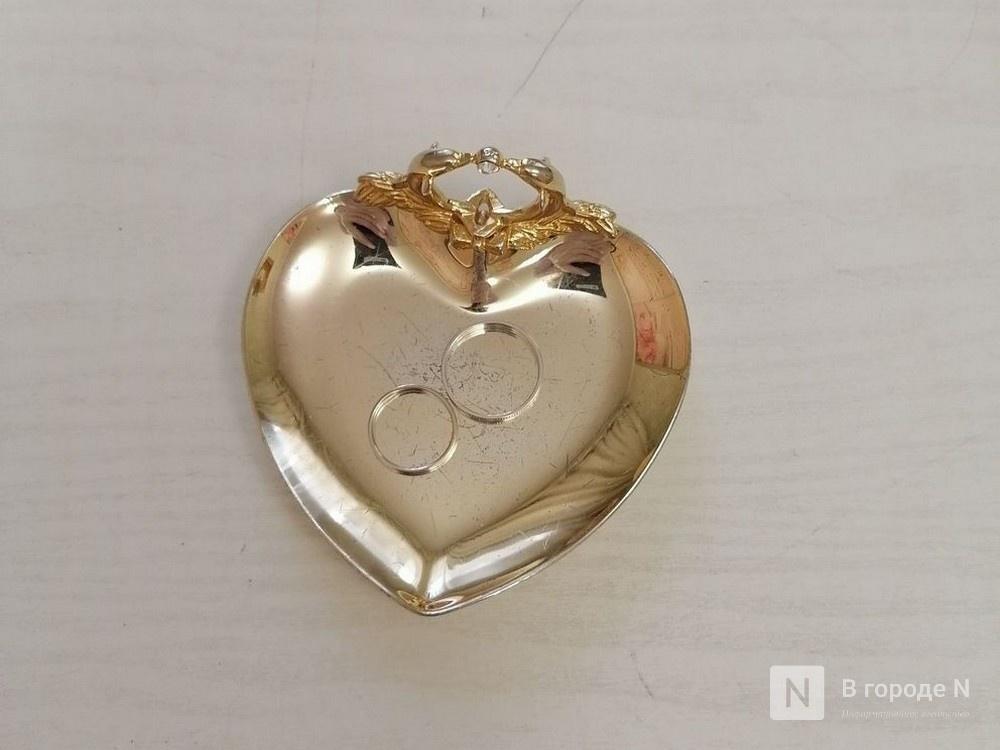 Кольцо на перчатку и никаких поцелуев: как проходят нижегородские свадьбы в пандемию - фото 2